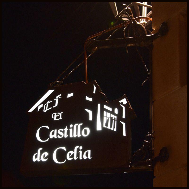 Castillo Celia CUADRADO 4