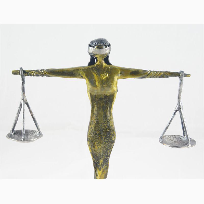 3 Escultura Dama de la Justicia