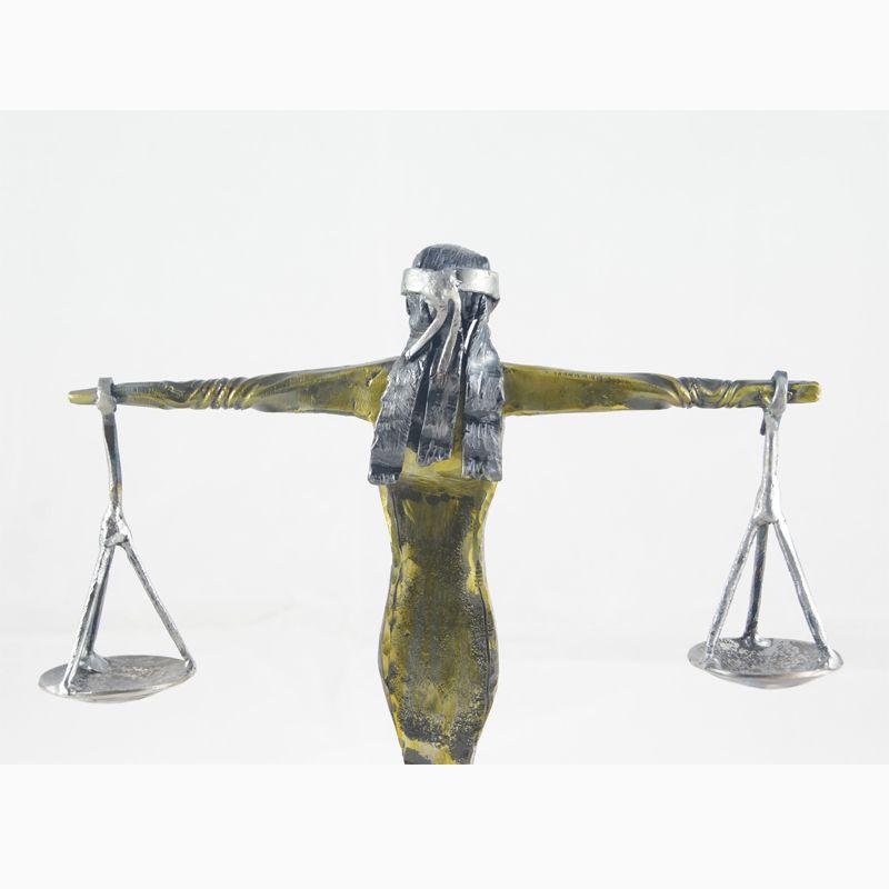 4 Escultura Dama de la Justicia