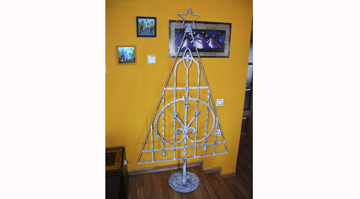 2.árbol navidad con reja reciclada
