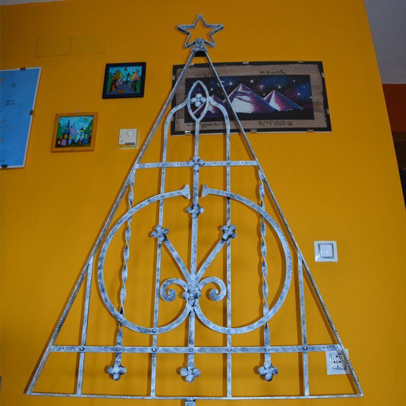 3.árbol navidad con reja reciclada