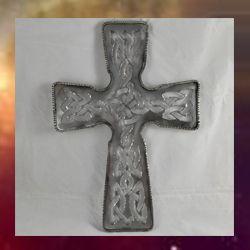 cruz celta cristiana en hierro