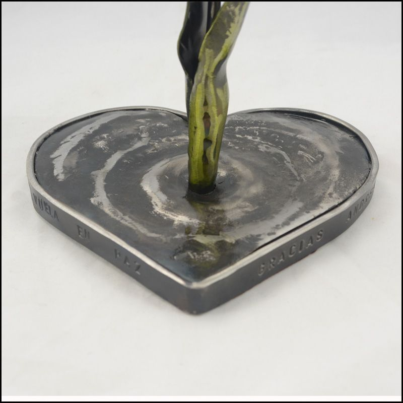corazón en hierro
