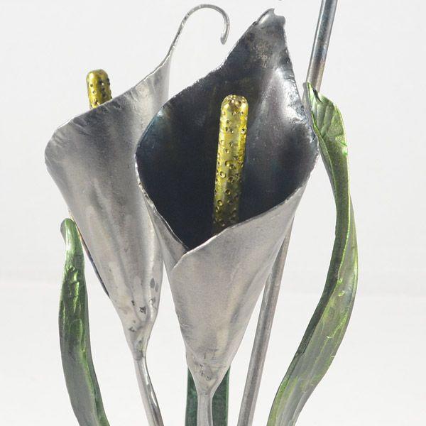 4.calas y orquídea en hierro forjado